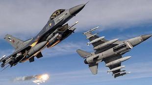 Türk jetleri Kuzey Irak'a havalandı !