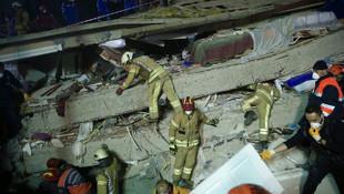 Çöken binada ölenlerin sayısı 11'e yükseldi