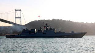 ABD ve Rus savaş gemileri Boğaz'da karşı karşıya