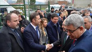 CHP'li Ahmet Akın, adım adım Türkiye'yi dolaşıyor
