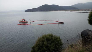 Karaya oturan gemi sulara gömüldü