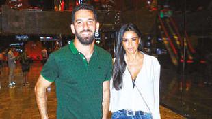 Arda Turan'dan ikinci kez evlilik teklifi