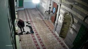 Camideki hırsızlık kamerada !