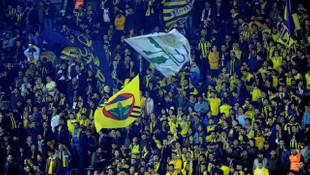 Fenerbahçe taraftarından Galatasaray'a flaş gönderme!