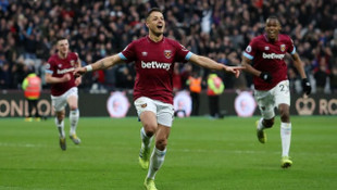 West Ham United 4 - 3 Huddersfield Town