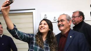Yılmaz Büyükerşen'e gençlerden tam destek