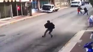 Deprem olunca sokağa çıkan adam ölümden döndü
