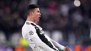 UEFA, Cristiano Ronaldo'ya 20 bin euro para para cezası verdi