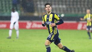 Ferdi Kadıoğlu: Takımın aldığı sonuçlardan dolayı oynayamıyorum