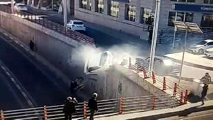 Diyarbakır'da dehşete düşüren kaza ! Ölümden saniyelerle kurtuldular