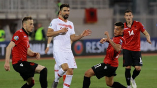 Arnavutluk Teknik Direktörü Christian Panucci: İstifa etmeyi düşünmüyorum