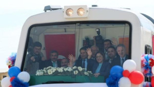 AK Partili heyetten vatandaşa: ''Şeyin trene baktığı gibi bakıyorlar''