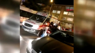 Ambulans şoförüne darp anı saniye saniye kamerada