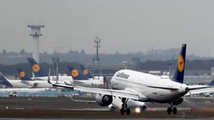 68 uçuş ertelendi: Türkyie uçuşları da tehlikede