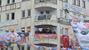 CHP'li adaydan Erdoğan'a balkondan takip