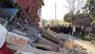 Peşpeşe depremler sonrası eğitime 2 gün ara verildi