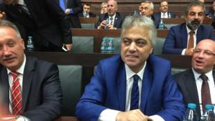 Cengiz Kurtoğlu AK Parti'ye oy için kapı kapı dolaştı