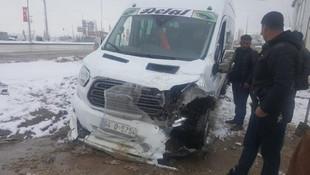 Okul yolunda kaza: Yaralılar var