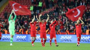 Medipol Başakşehir'in milli oyuncuları, gösterdikleri performansla göz doldurdu