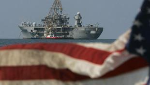 ''O kitapta 6. Filo Türk donanmasına saldırıyor''