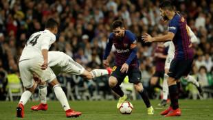 Real Madrid - Barcelona karşılaşmasında Messi ve Sergio Ramos gerginliği!