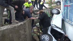 Üsküdar'da otomobil boşluğa düştü: 3 yaralı