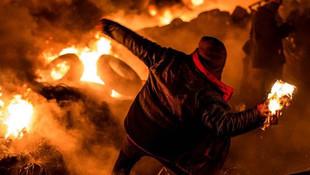 Yunanistan'da Türklere çirkin saldırı: Molotof