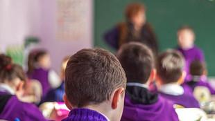 Bakan açıkladı: Okula başlama yaşı yine değişiyor !