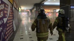 İstanbul'da alışveriş merkezinde yangın paniği