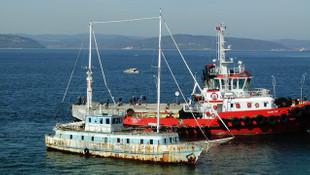 Boğaz'da hayalet gemi alarmı ! 3 yıl önce de görülmüştü