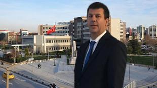 Kadıköy Belediye Başkanı Şerdil Dara Odabaşı mazbatasını alıyor