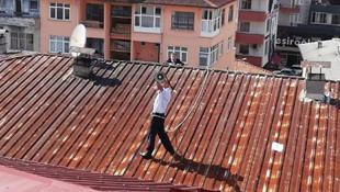 Megafonla çatıya çıkıp ilçeyi ayağa kaldırdı