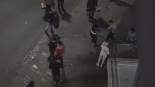 Taksim Meydanı'nda iki grup birbirine girdi
