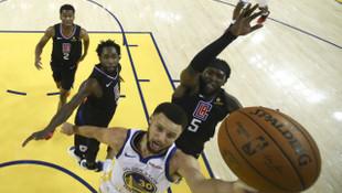 Stephen Curry NBA play off turuna rekorla başladı