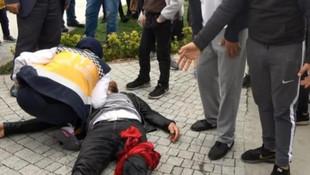 İstanbul'da eşini döven kişiyi mahalleli bıçakladı !