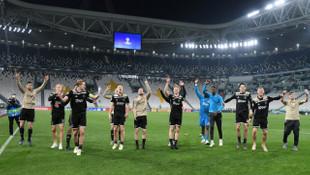 Ajax, Juventus'u eleyerek devler liginde yarı finale yükseldi