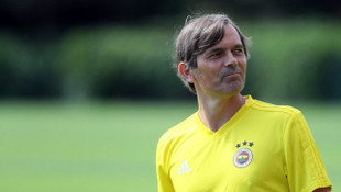 Phillip Cocu: Fenerbahçe'yle anlaşmam var, o yüzden konuşamam