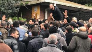 Üsküdar seçim kurulu önünde kavga ! Polis havaya ateş açtı