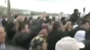CHP'li Levent Gök'e linç girişimi kamerada
