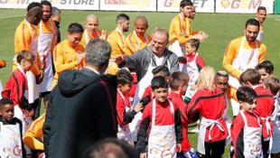 Florya'da 23 Nisan coşkusu! Galatasaray'dan anlamlı hareket