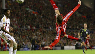 Peter Crouch'un Galatasaray'a attığı gol, Ronaldo'yu bile geçti!