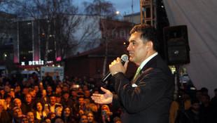 Mazbatasını alan CHP'li aday konser verdi