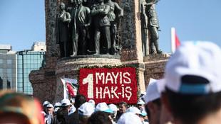 Taksim'de 1 Mayıs ! İlk grup çelenk bıraktı