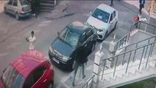 İstanbul'da güpegündüz silahlı çatışma ! Dehşet anları kamerada
