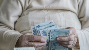 Emeklilerden ''bayram ikramiyeleri'' talebi ! Artırılacak mı ?