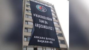 Ankara Barosu'ndan YSK'ya pankartla mesaj