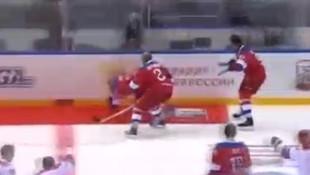 Vladimir Putin yere kapaklandı