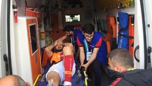 Galatasaray'da şok ! Emre Akbaba'nın ayağı kırıldı