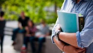 Üniversite öğrencisine asgari ücret kadar burs