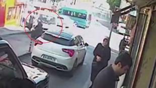 Feci kaza kamerada ! Yaşlı kadın metrelerce sürüklendi